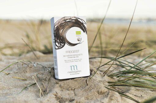 Freigeist – Bio Meeresspaghetti Getrocknete Algen-Sticks am Strand